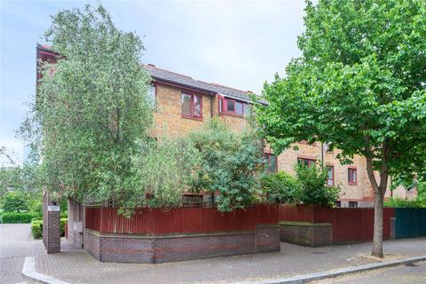 1 bedroom apartment for sale - Baltic Court, London, SE16