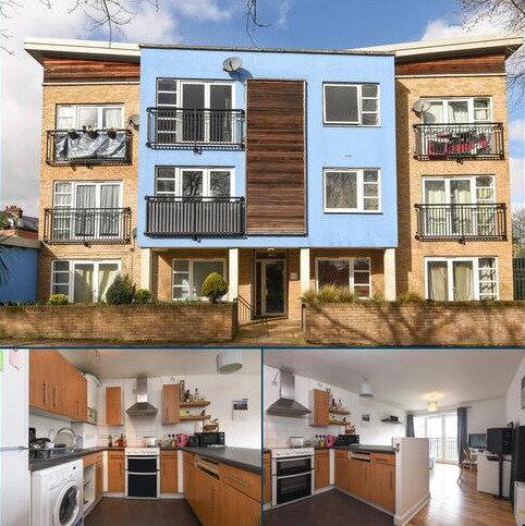 2 bedroom flat to rent - Lucas Street London SE8