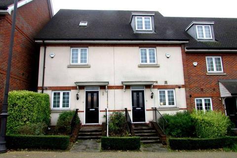 3 bedroom townhouse to rent - Walton Terrace, Elstree