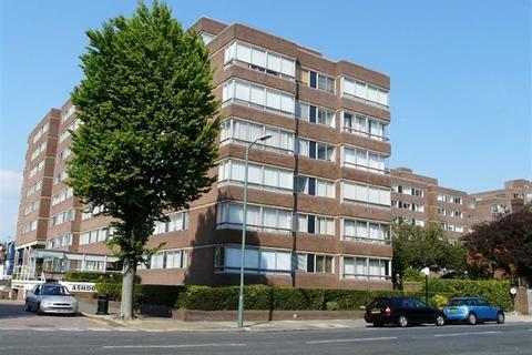 2 bedroom apartment - Ashdown, Eaton Road, Hove BN3 3AR