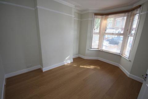 3 bedroom flat to rent - Selborne Road, London N22