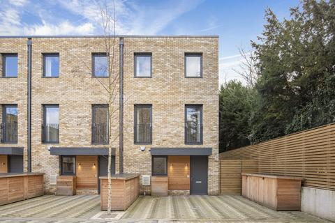 5 bedroom detached house to rent - Beatrice Place, Wandsworth, London, SW19