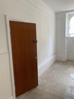 Studio to rent - Oriental Place, BRIGHTON, East Sussex, BN1