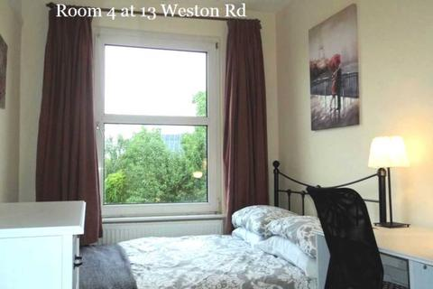 1 bedroom house share to rent - Room 4, 13 Weston Road, Guildford, GU2 8AU