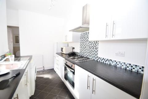 3 bedroom ground floor flat - 58pppw - Danby Gardens, Heaton, NE6