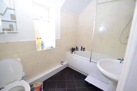3 bedroom ground floor flat to rent - 58pppw - Danby Gardens, Heaton, NE6