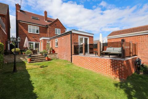 3 bedroom detached house for sale - West Street, Eckington