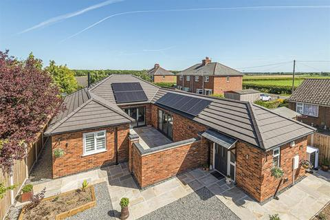 3 bedroom detached bungalow for sale - Ferry Road, Southrey, Lincoln, Lincs, LN3 5TA
