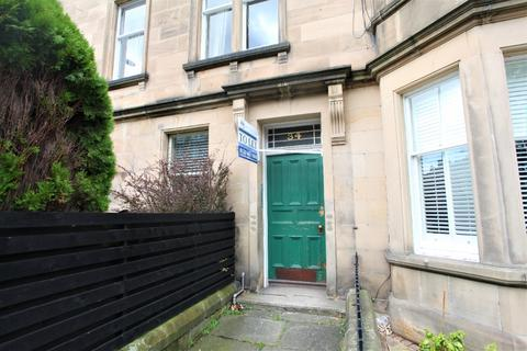 4 bedroom flat - Strathearn Road, Marchmont, Edinburgh, EH9 2AB