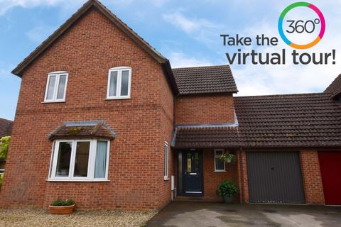 4 bedroom detached house for sale - Templeman Drive, Stamford