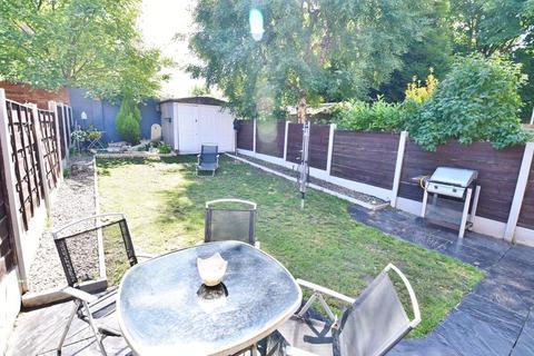 3 bedroom semi-detached house for sale - Richmond Grove, Monton
