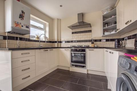 3 bedroom terraced house for sale - Owl End Walk, Yaxley, PE7 3HW