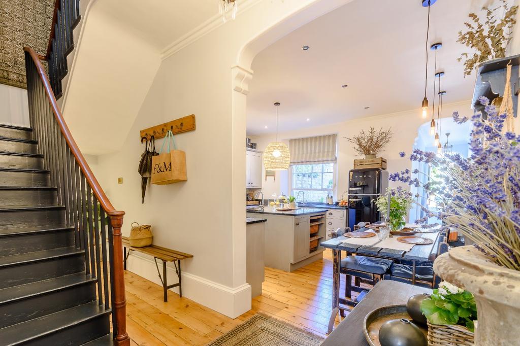 Hallway/Kitchen