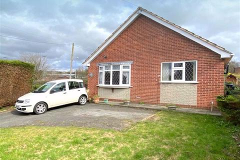 3 bedroom detached bungalow - Springfield Road, Leek, Staffordshire