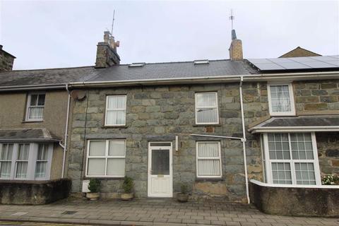 3 bedroom terraced house - High Street, Criccieth
