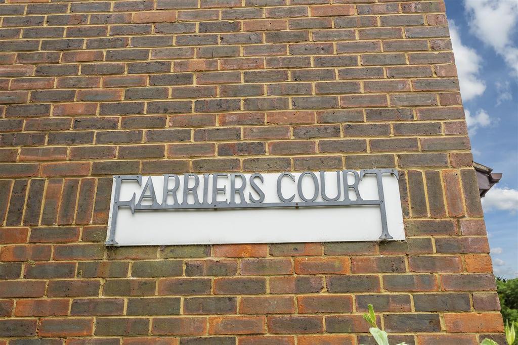 Flat Farriers Court Cheam 107.jpg