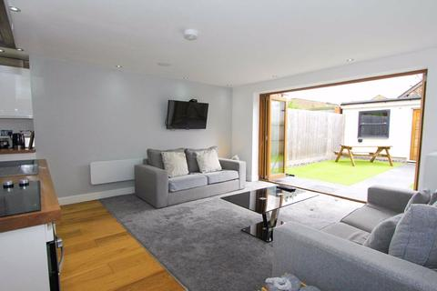 1 bedroom flat for sale - Victoria Apartments, Lionel Road, Cardiff