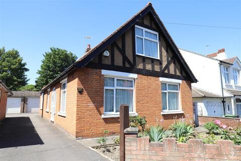 3 bedroom bungalow for sale - Hayle Road, Maidstone