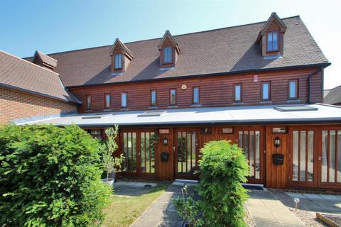 3 bedroom terraced house for sale - Stocks Close, Hildenborough