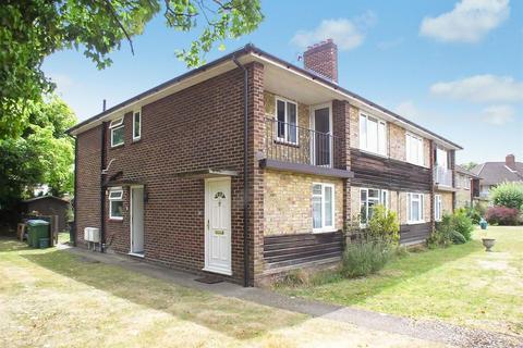 2 bedroom flat for sale - Betley Court, Walton-On-Thames