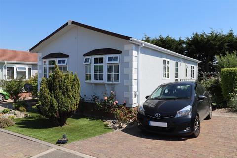 2 bedroom detached bungalow for sale - Kenwyn, Truro