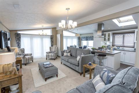2 bedroom detached bungalow for sale - Glendale, Hurworth Springs