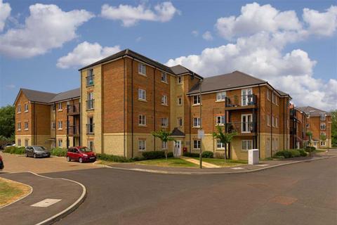 2 bedroom flat for sale - Winter Close, Epsom, Surrey