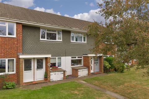 2 bedroom maisonette for sale - Home Farm Close, Tadworth, Surrey