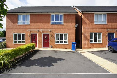 2 bedroom terraced house to rent - Lintott Gardens, Warrington
