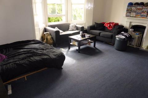 3 bedroom flat to rent - Ditchling Rise - P1119