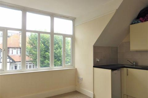 1 bedroom flat to rent - York Avenue - P1102