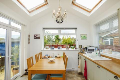 3 bedroom bungalow for sale - Eden Grove, Morpeth, Northumberland, NE61 2UN