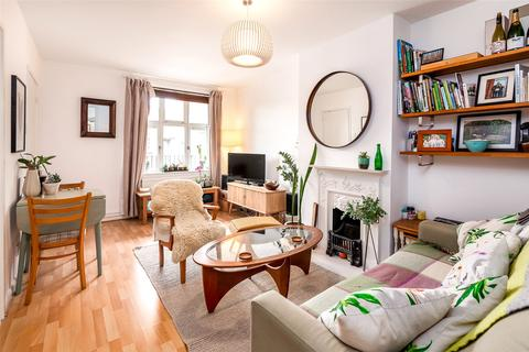2 bedroom flat for sale - Grimshaw Close, Highgate, London, N6