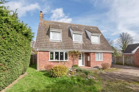 3 bedroom detached bungalow for sale - Bradenham