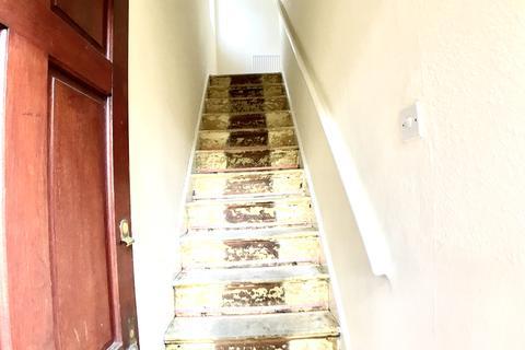2 bedroom maisonette to rent - Berwick Ave, Hayes UB4