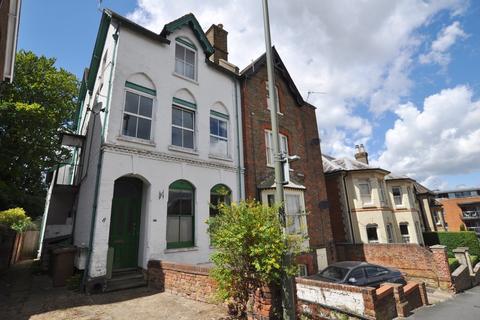3 bedroom ground floor maisonette for sale - Jenner Road, Guildford