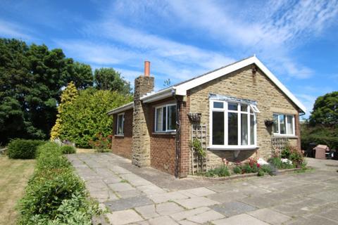 2 bedroom detached bungalow for sale - Toftshaw Lane, Bradford 4