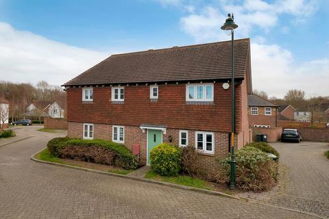 3 bedroom semi-detached house for sale - Alfa Close, Kings Hill, West Malling