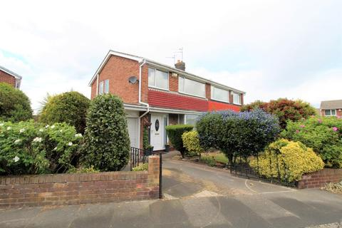 3 bedroom semi-detached house for sale - Bolam Avenue, Blyth