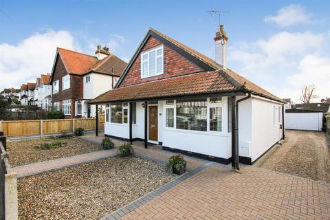 3 bedroom detached house for sale - Douglas Avenue, Whitstable