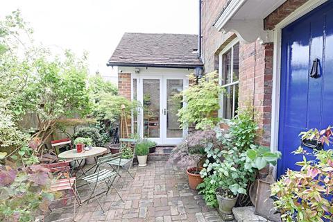 2 bedroom semi-detached house for sale - High Street, Tenterden