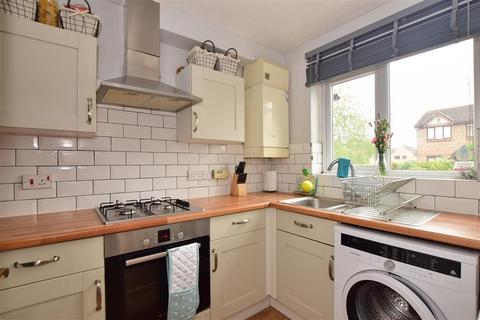 2 bedroom terraced house for sale - Fletcher Drive, Wickford, Essex