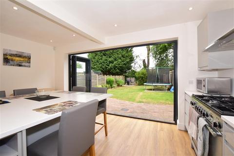 4 bedroom semi-detached house for sale - Josephine Avenue, Lower Kingswood, Surrey