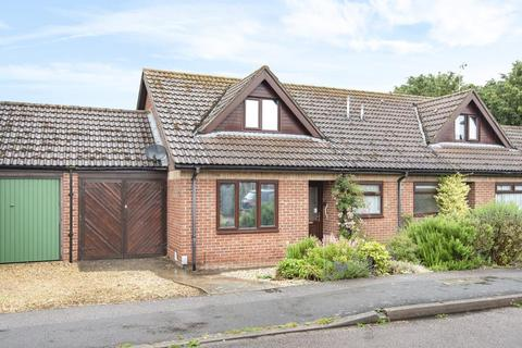 2 bedroom semi-detached bungalow for sale - Botley, Oxford, OX2