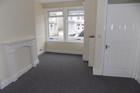 3 bedroom terraced house to rent - Gorton Street, Blackpool FY1