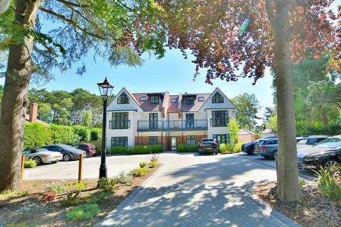 2 bedroom apartment for sale - Golf Links Road, Ferndown, Dorset, BH22 8BU