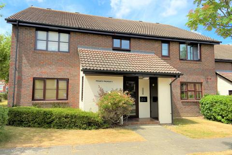Studio to rent - The Oaks, Swanley, Kent, BR8