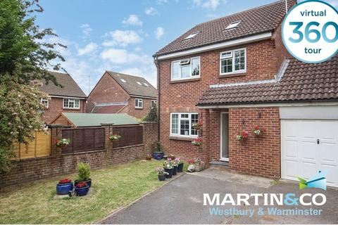4 bedroom link detached house for sale - Manor Fields, Bratton