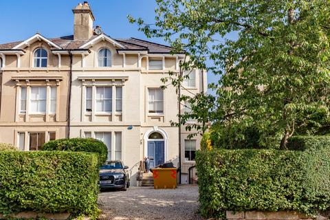 2 bedroom apartment to rent - Park Town, Oxford