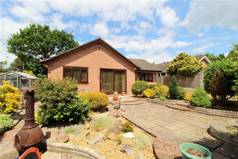 3 bedroom detached bungalow for sale - St. Ives, Ringwood, Hampshire, BH24